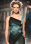 AltaRomAltaModa 2011 presented gorgeous formal dresses