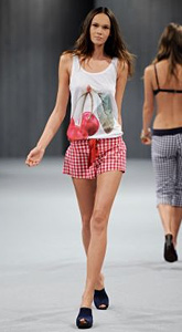 UNDERCOLORS OF BENETTON Spring-Summer 2011 Collection