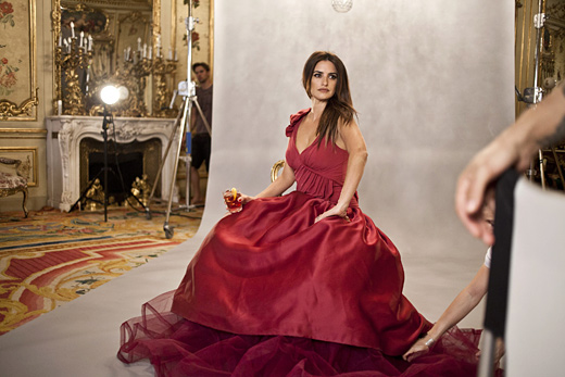 Penelope Cruz announced as leading star in Campari Calendar 2013