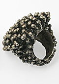 Luxurious Anemone ring