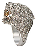 Jennifer Lopez looking fierce in Carrera y Carrera's Tiger ring