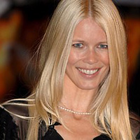 Claudia Schiffer undressed in front of