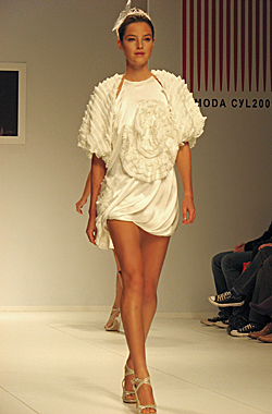 TAU Spring-Summer Collection 2010 Philosophy – Maria Lafuente