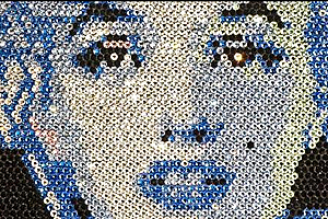 Merilin Monroe and Barack Obama portraits made of jewels