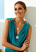 Olivia Palermo presents the new jewelry collection Mediterraneo