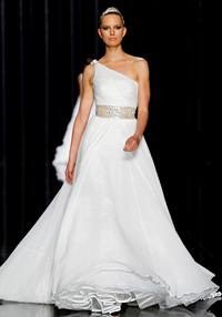 The Black swan inspired collection 2012 of Pronovias