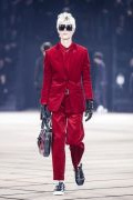 Photo 16 from album Fall-Winter 2017-2018 Menswear collection by Belgian designer Kris Van Assche for Dior during the Paris Fashion Week