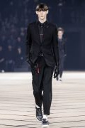 Photo 8 from album Fall-Winter 2017-2018 Menswear collection by Belgian designer Kris Van Assche for Dior during the Paris Fashion Week