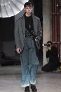 Photo 2 from album Fall-Winter 2017-2018 Menswear collection by Dutch-born designer Lucas Ossendrijver for Lanvin during the Paris Fashion Week
