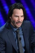 Photo 2 from album Keanu Reeves in ISAIA suit