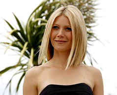 Gwyneth Paltrow covers her body in coffee, olive oil and honey to make her skin smooth
