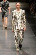 Men's floral suits trends